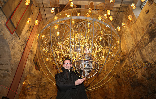 largest-christmas-bauble-ornament
