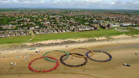 Largest Human Olympic Rings 1